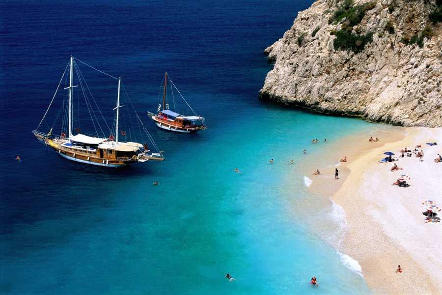 16 Days Istanbul, Ephesus, Pamukkale, Fethiye, Blue Cruise, Antalya, Cappadocia by Plane by Bus