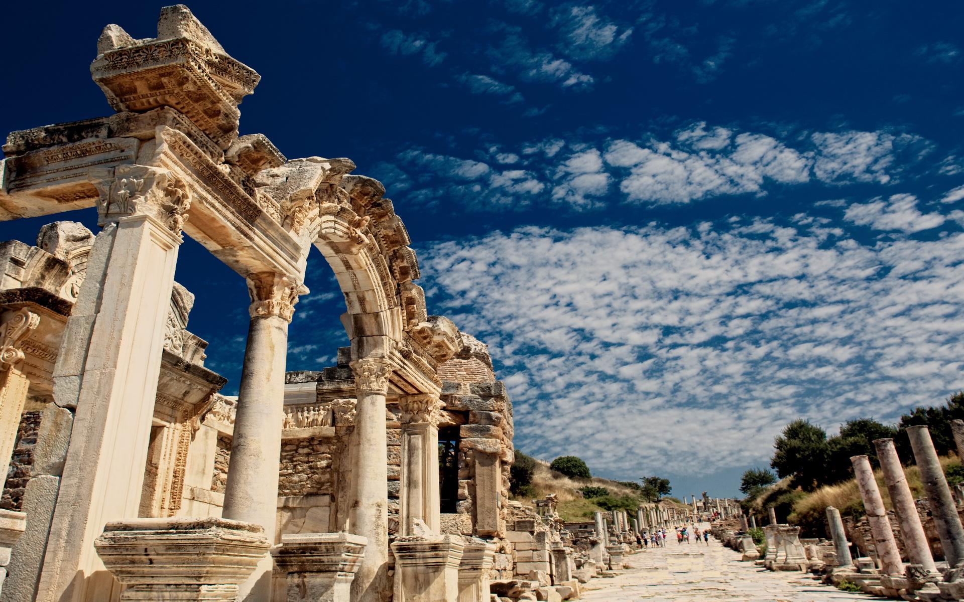 3 Days Ephesus -Pergamum - Didyma/Miletus/Priene by Plane