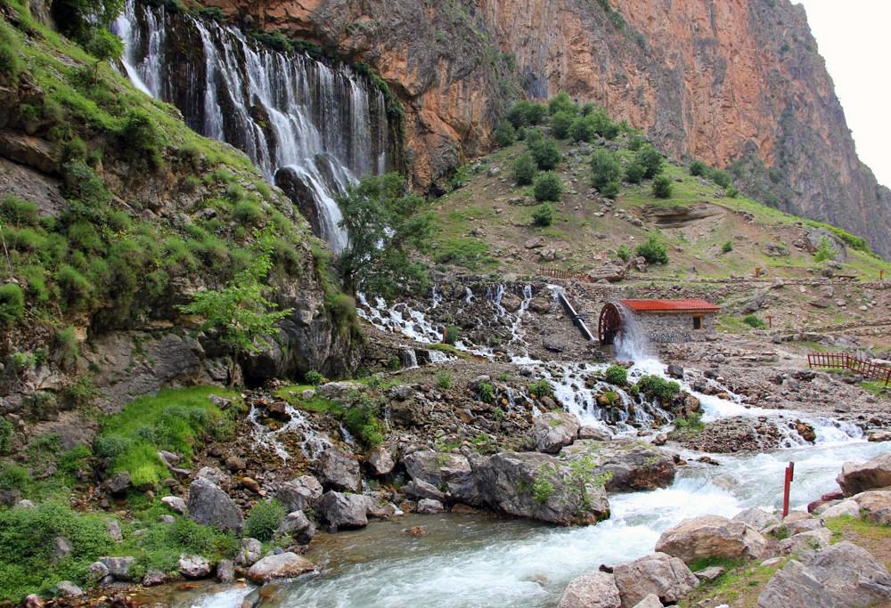 Cappadocia Kapuzbasi Waterfalls Tour